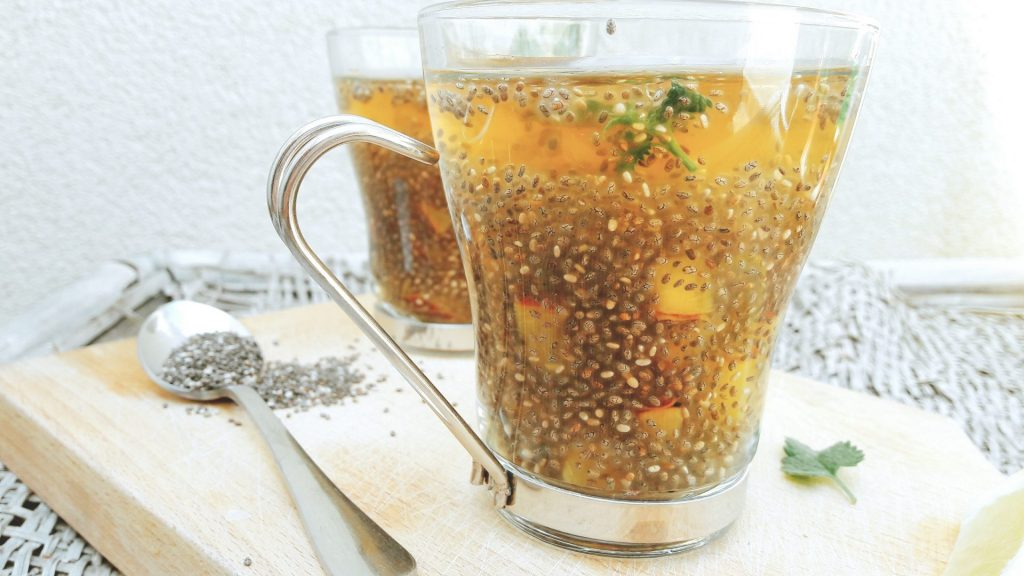 peach and green tea chia fresca drink