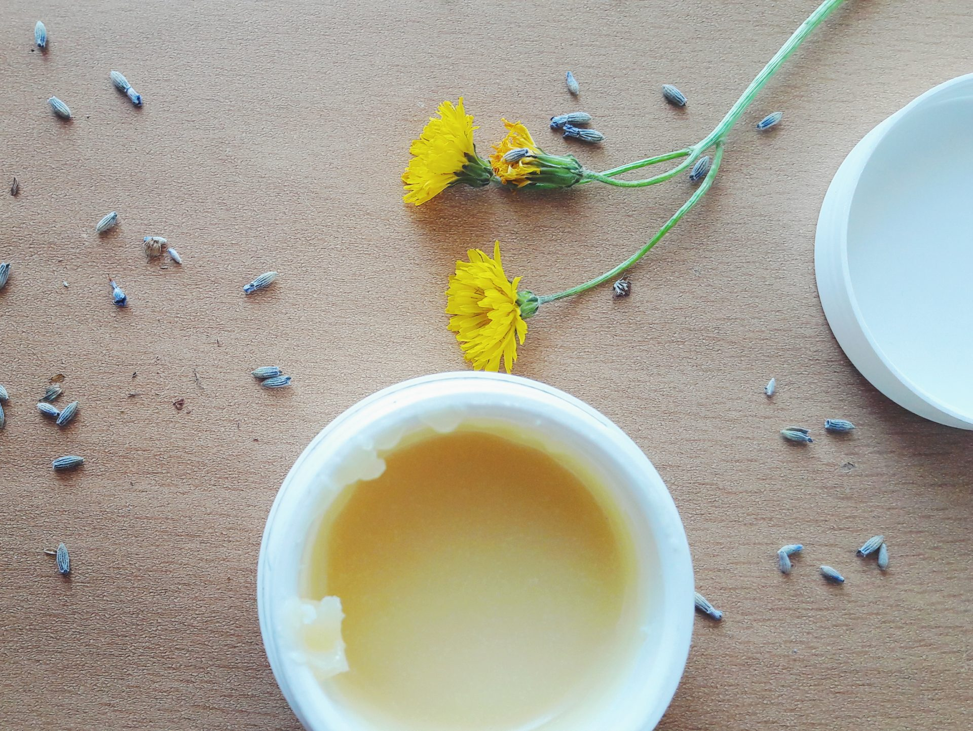 A simple DIY: creamy natural homemade deodorant (vegan)