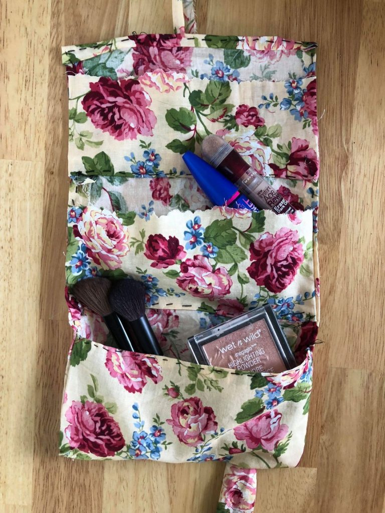 DIY Makeup Bag with Recycled Fabric